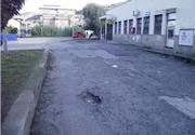 Buca su asfalto nel Comune di Vibo Valentia con conseguente caduta di ciclista